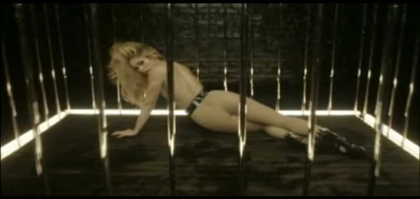"""Adı Arapça'da """"Şükran"""" anlamına gelen Shakira'nın sadece stüdyo albümleri 75 milyon adet sattı. İşte RTÜK'e takılan diğer sahneler..."""