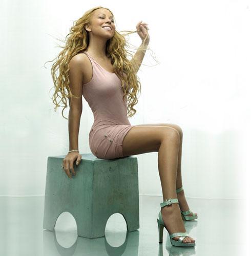 Bir dönem bacak kraliçesi ilan edilen ve bu özelliğiyle reklam anlaşmaları yapan şarkıcı Mariah Carey, bacaklarını tam 1 milyar dolara sigortayarak rekora imza atmıştı.