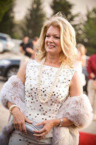 Televizyoncu Mary Hart da bacaklarının sigortalanması için 1 milyon dolarlık bir poliçeyi imzalamıştı.