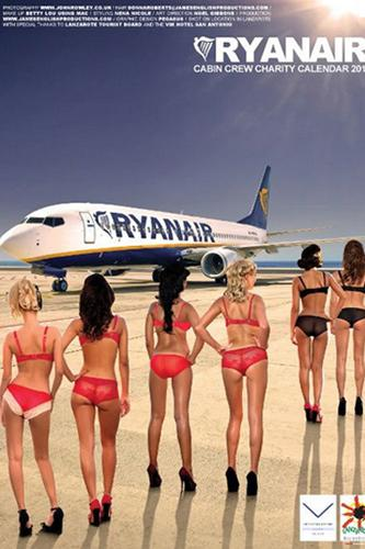 Ryan Air hostesleri soyundu - 25