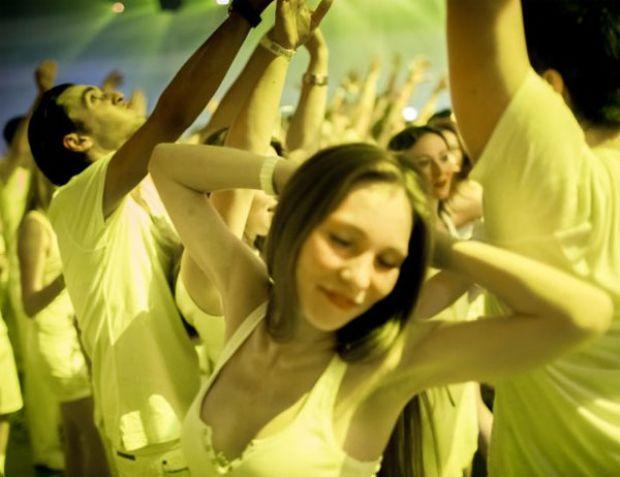 Dünyaca ünlü DJ'ler, Victoria's Secret meleği Doutzen Kroes, ünlü türk isimlerin yanı sıra bir çok yabancı bürokratın katıldığı parti günlerdir konuşuluyor.