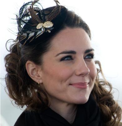 Ama İngiltere'nin en gözde ve artık hayatta olmayan Prensesi Diana'nın büyük oğlunu kendine aşık etti. Üstelik 8 yıl boyunca ondan gelecek evlenme teklifini bekledi.
