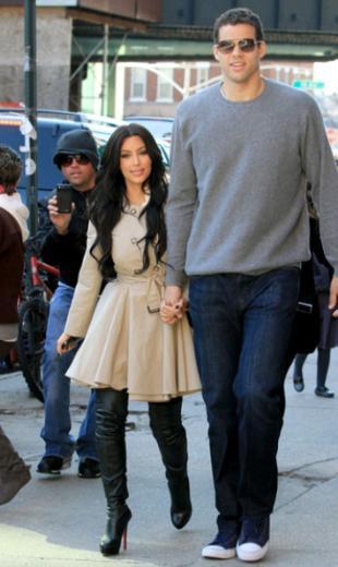 Kris Humphries Kim Kardashian'ı hiç tanımasa onunla evlenmese elki de eskisi gibi sade bir sporcu olarak kalacaktı.