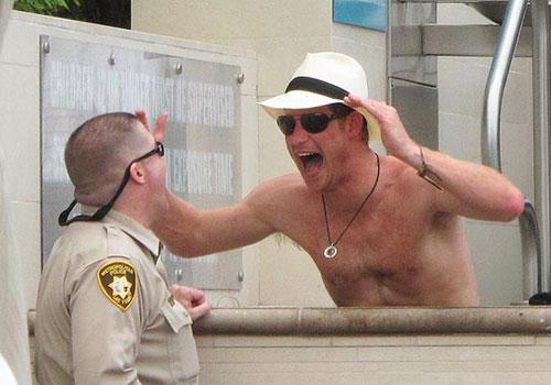 Prensle çıplak fotoğraf hapse attırdı - 20