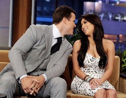 Reality Şov yıldızı Kim Kardashian basketbolcu sevgilisi Kris Humphries ile olan aşkını her fırsatta kullandı. Evlilik seramonilerini bir televizyon kanalı ile anlaşarak canlı yayında yayınlatan Kardashian'ın evliliğ ise sadce 72 saat sürdü. (Photo:Rex)
