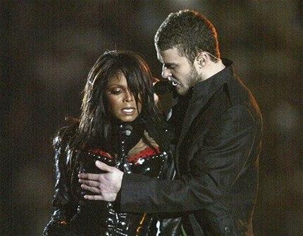 2005 yılındaki Super Bowl performansı sırasında Justin Timberlake tarafında göğüsü açılan Jackson, milyonlar karşısında yerin dibine girerek özür dilemek zorunda kaldı.(Photo:Getty)