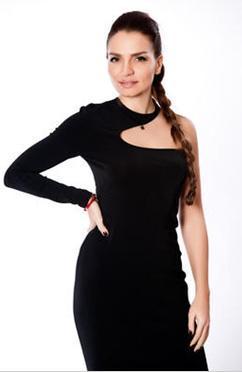 Ebru Akel'in Bond kızı olma hayalleri de suya düştü.