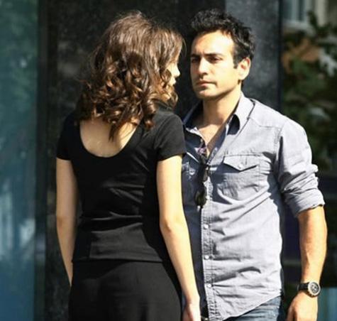 Fatmagül'ün Suçu Ne dizisindeki performansıyla dikkat çeken Buğra Gülsoy, daha sonra Kuzey Güney dizisinde rol almaya başladı.