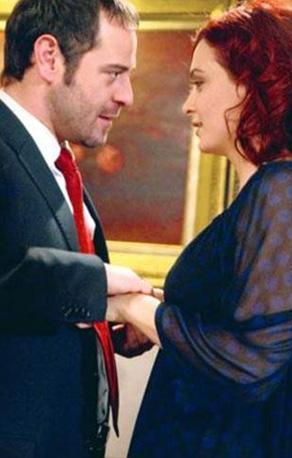 Binbir Gece dizisindeki Bennu karakterini Ceyda Düvenci canlandırdı... Bu rol onun kariyerinin unutulmazları arasına girdi...