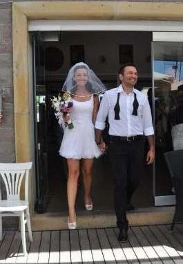 Bahadır geçtiğimiz yaz Ali Sunal ile evlendi.