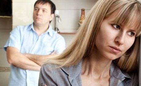 KENDİNİ HEP HAKLI GÖRME  Hatalar, yanlışlıklar iki taraftan da kaynaklandığı halde bir tarafın ısrarla kendini haklı görmesi evliliği çıkmaza sürükler.