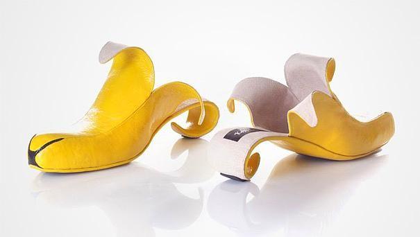 Muz şeklindeki bu ayakkabıyı günlük hayatta kullanamasakta ev dekorasyonunda kullanabiliriz.