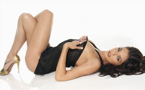 Adrianne Curry - 16