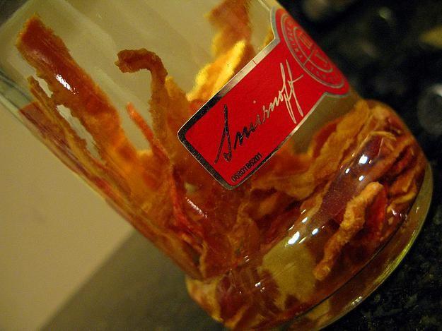 Bacon Vodka:   Domuz etinden yapıla pastırma aromalı vodka olma özelliğini taşıyor.