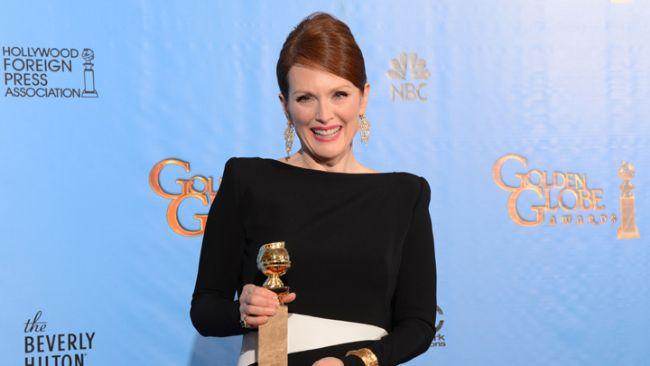 """En İyi Kadın Oyuncu Mini Dizi dalında """"Game Change"""" dizisi ile  Julianne Moore 'un oldu."""