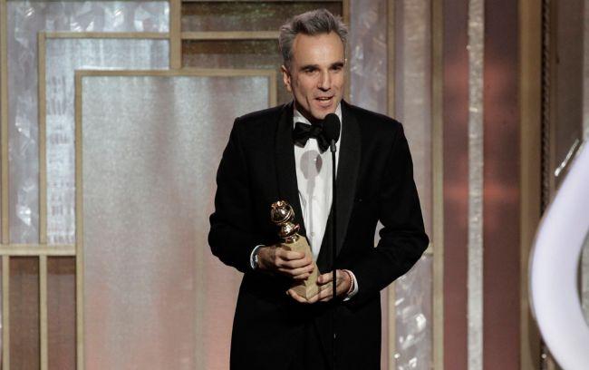 """Spielberg'in 7 dalda aday gösterilen """"Lincoln"""" filmi, gecede büyük düşkırıklığı yaşadı. 12 dalda Oscar'a da aday gösterilen film, sadece Daniel Day-Lewis'e En İyi Erkek Oyuncuödülünü getirdi."""