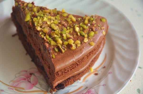 1 dilim çikolatalı pasta:  500 kalori