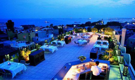 Mosaic Terrace Restaurant  Eşinizle, kaliteli bir yemek, aşk dolu bir akşam geçirmek için değişik bir alternatif arıyorsanız, İstanbul'u tarihinin içinde yaşamanın ayrıcalığını yakalayın...  Adres: Küçük Ayasofya Caddesi No:40 Sultanahmet İstanbul - Fatih / İstanbul  Telefon:0212 638 29 29