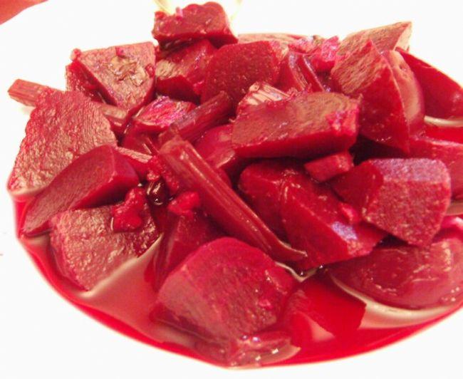 Pancar: Folik asit bakımından zengindir. Kırmızı rengini veren pigmentler kansere karşı savaşır.