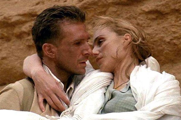 İngiliz Hasta  Kristin Scott Thomas ve Ralph Fiennes'ın başrolünü üstlendiği film, Michael Ondaatje'nin romanından sinemaya uyarlandı. Filmin yönetmeni Anthony Minghella. Film boyunca aşkın farklı türleri anlatılıyor; Hana'nın hastasına duyduğu şefkat, Kip ile yaşadığı aşk, Almasy ile Katharine'in ilişkisi ve Almas/nin milliyetçi tutkular yüzünden mahvedilen çöle duyduğu sevgi...