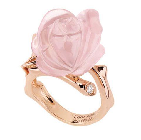 Dior Bois de Rose yüzük: 4,000 TL