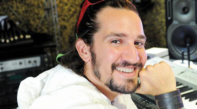 Barış Manço'nun müzisyen oğlu Doğukan Manço...