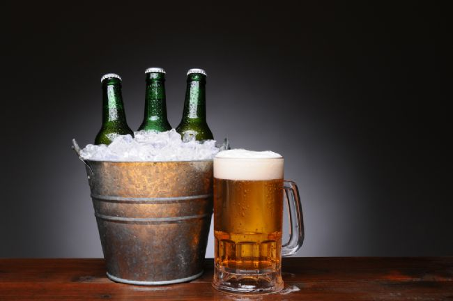 Günde 1 bardak kadar bira tüketmek mide kanseri ve ülserden koruyarak, mideyi 'helicobacter pylori' mikrobuna karşı savunuyor.