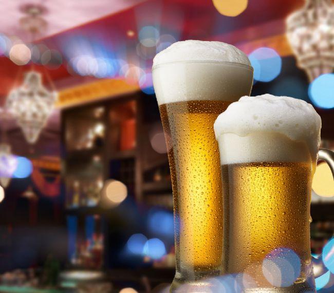 50 yaş üstünde oluşabilecek bunama gibi problemleri yüzde 42 oranında azaltıyor. Fakat eğer ağır içiciyseniz bu risk yine artıyor.