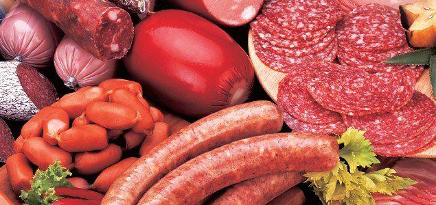 Kuzu ciğeri (yağda): 100 gr'da 232 kalori bulunur.  Salam: 100 gr'da 446 kalori vardır.  Sosis: 100 gr'da 287-300 kalori bulunur.  Sucuk: 100 gr'da 452 kalori bulunur.