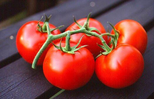 Sebzeler  Domates: 1 adet 14 kaloridir.  Enginar (orta boy): 1 adet 10 kaloridir.  Patlıcan (orta boy): 1 adet 28 kaloridir.  Taze fasulye: 100 gr'da 90 kalori bulunur.