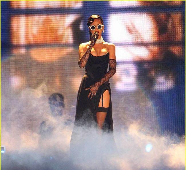 Rihanna'nın Victoria's Secret Defilesini unutmadık - 6