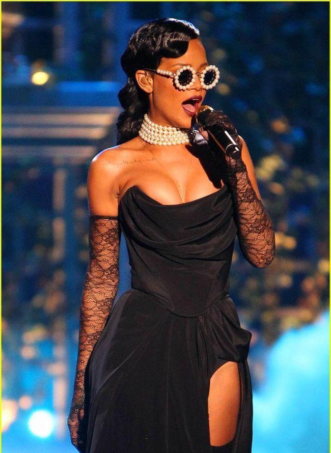 Rihanna'nın Victoria's Secret Defilesini unutmadık - 9