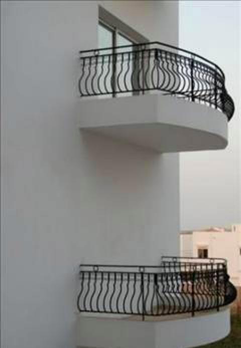 Balkona 50 kişi çıkılması sonucu balkonun çökmesiyle oluşan toplu ölüm. (Dudullu´da bir Köy nişan töreninde).