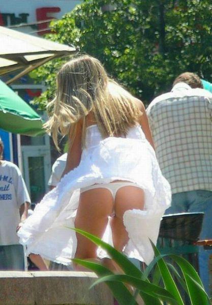 подсматриваем девушкам под юбки фото
