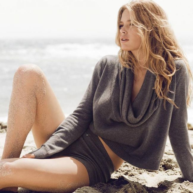 Boğa:   Kıyafet ve aksesuarların tende yarattığı yumuşaklığı önemser. Kaşmir ve ipek gibi yumuşak kumaşlarla kendini iyi hissedecektir.