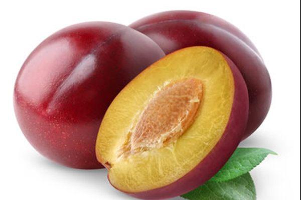 3. Tatlı olarak 250 gr. mor eriği biraz tarçınla haşlayın. Bu meyve früktoz açısından oldukça zengin olmakla birlikte tatlı ihtiyacınızı da karşılayacaktır.