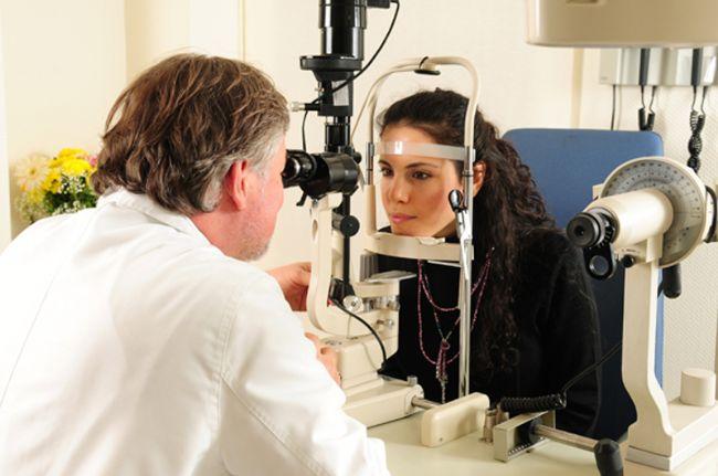 Kusursuz görüş nedir?  Göz doktorlarında bulunan harfli çizelgenin tamamını 6 metrelik bir uzaklıktan görmek kusursuz görüşün işaretidir.