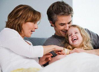 Gıdıklanırken neden güleriz?  Gıdıklanırken gülmeyi, eğlence için küçükken başkalarının gıdıklamasıyla öğrenmekteyiz. En son yapılan araştırmaya göre ne kadar uğraşırsa uğraşsın bir birey kendini gıdıklayamaz.