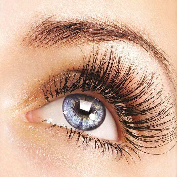 Renk körlüğü tedavi edilebilir mi?  Hayır bu hastalık gözdeki renklere karşı duyarlı olan proteinleri etkileyen genetik bir kusurdur.