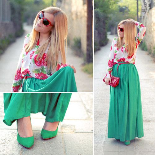 Çiçekli gömleğinizi, düz kumaşlı mavi maksi eteğiniz ve stiletto ayakkabınızla kombinleyebilirsiniz.