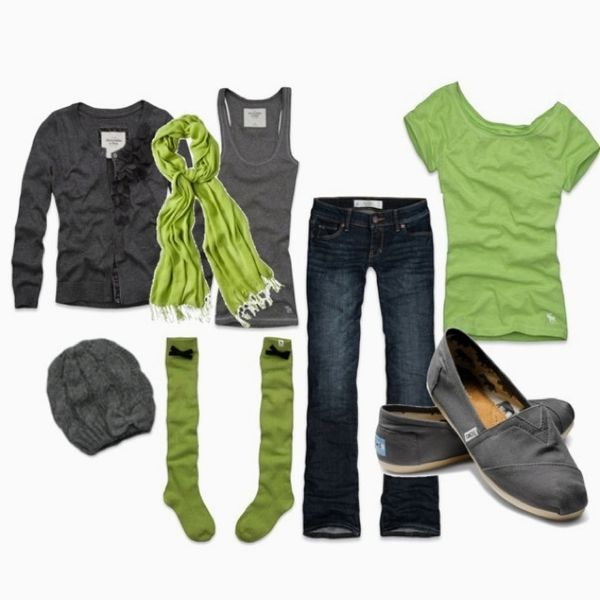 Şu sıralar moda olan espadrillerinizi jean pantolon ve salaş bir tişörtle tamamlayabilirsiniz.