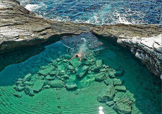 Giola Lagunları - Thassos Yunanistan. Deniz suyundan sıcak berrak suları, eşsiz manzarası ile belki de bu listede görmenizin en olası olduğu nokta.