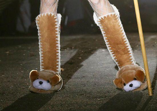 Köpek panduf çizme