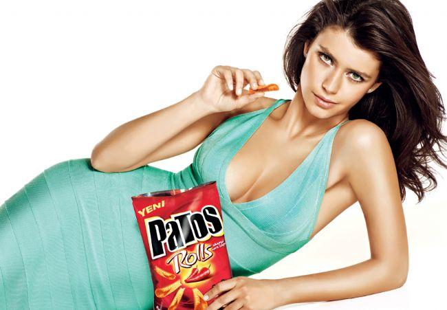 Beren Saat Patos reklamından 500 bin dolar almıştır.