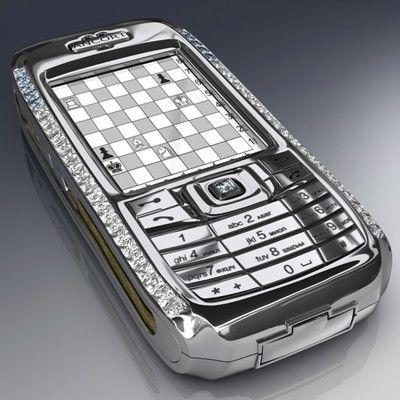 """Mobil Telefon Peter Aloisson tarafından Diamond Crypto Smartphone için tasarlanan telefon, 10'u mavi olmak üzere 50 elmasla süslenmiş. En çok Rusya'da satılıyor ama alanların kimlikleri gizli tutuyor. Fiyatı: """"1.3"""" milyon dolar."""