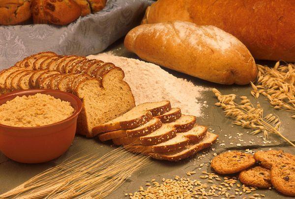 Tam tahıllar: Tam buğday, çavdar ve yulaf gibi tam tahıl ürünlerini düzenli tüketmeniz bahar yorgunluğunu yenmenize yardımcı olur. Tam tahıllar; zengin lif içerikleri, kan şekerinde dalgalanma yaratmamaları ve yüksek oranda B vitamini içermeleri nedeniyle baharda en yakın dostunuz olması gereken besinlerdendir.