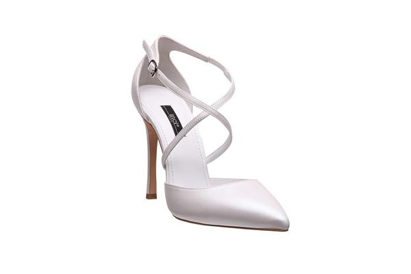 Hem sadece hem de farklı bir tarzdaki bu ayakkabıyı tercih edebilirsiniz.