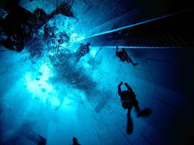 NEMO33, Belçika  Bu da dünyadaki en derin yüzme havuzu.
