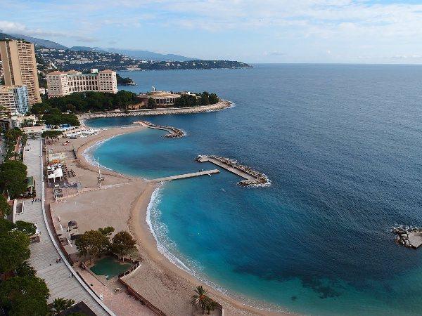 Plaj Larvotto/Monaco