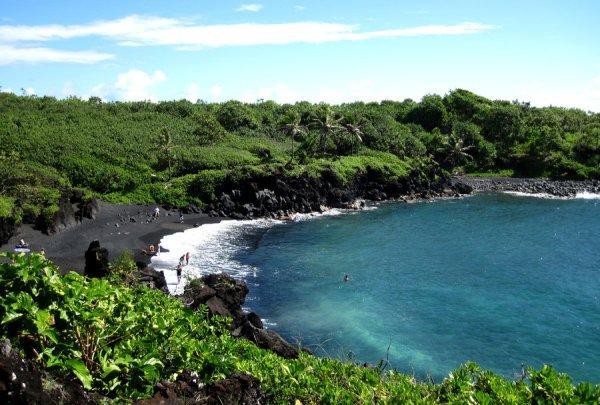 Waianapanapa(Kara Kum Plajı)-Maui / Hawaii